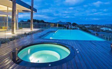 حمام سباحة الاكريليك